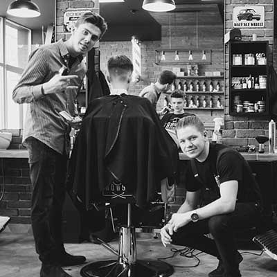 Paweł podczas GuestSpotu w The Barber House